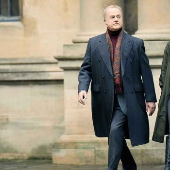 A DISCOVERY OF WITCHES OWEN TEALE (PETER KNOX) TRENCH COAT