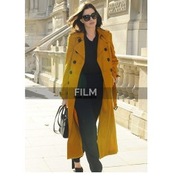 Anne Hathaway Edgy Style In Chic Yellow Trench Coat